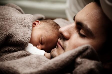 모성애에 비해 과소평가되던 부성애가 자녀를 위해 발휘되는 남성의 특별한 '본성'이라는 연구결과가 속속 나오고 있다. 아빠가 주도하는 육아 리얼리티 프로그램이 부성애의 가치를 재확인시켰다는 연구도 눈길을 끈다. - Pixabay 제공